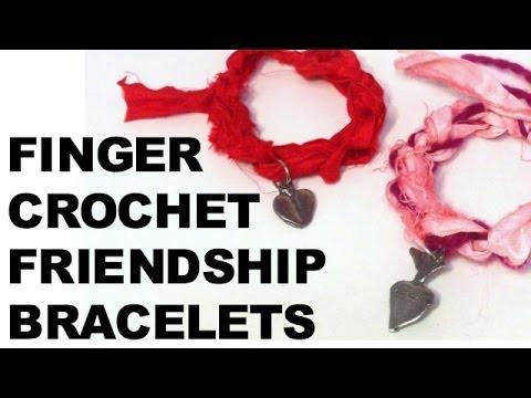 Pulsera de crochet hecha con los dedos, vídeo paso a paso