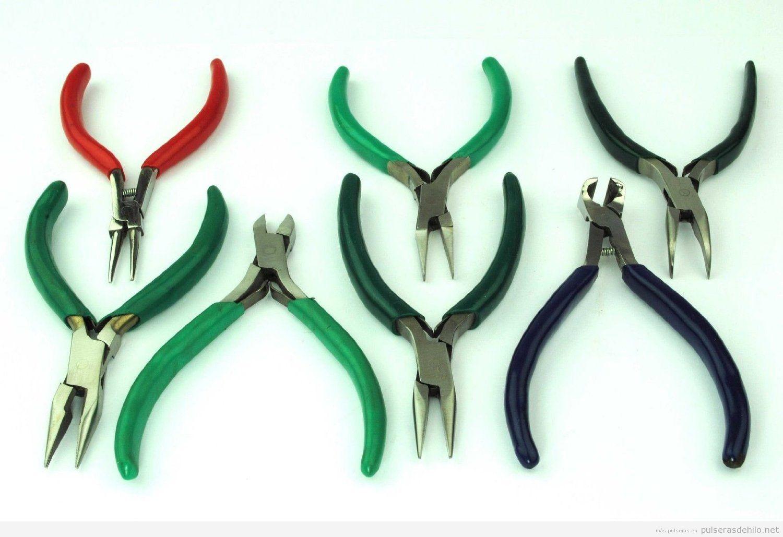 Cómo hacer un collar y una pulsera con cinta de raso y anillas, fácil y paso a paso