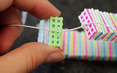 Tutorial para hacer una pulsera con «plastic canvas» fácil y paso a paso