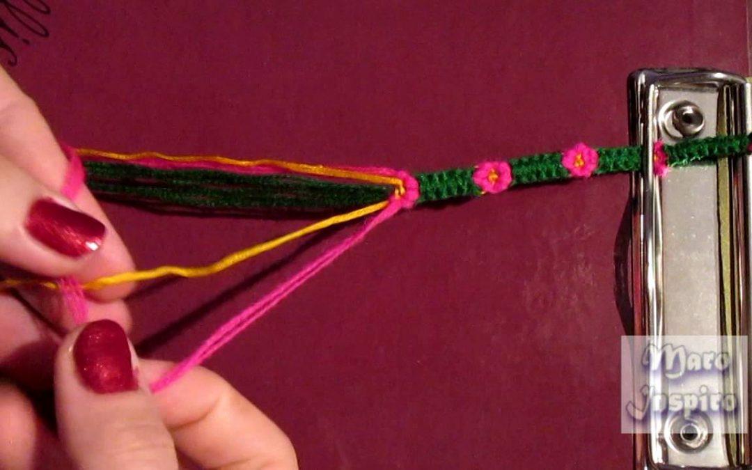 12d2185f7fa7 Pulseras de hilos con flores  aprende a hacerlas
