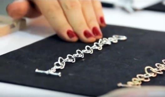 Cómo hacer una pulsera con cadenas paso a paso
