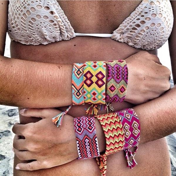 Pulseras de hilo bikini 4