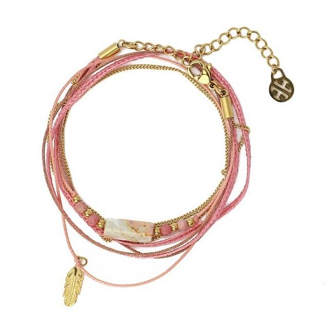 Pulsera rosa con pluma dorada